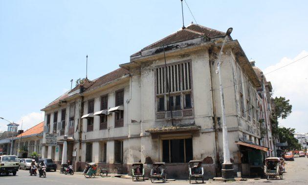 Spot Tempat Foto Menarik Di Kota Lama Semarang